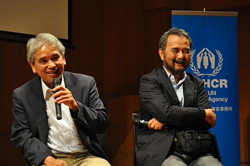 """『異国に生きる-日本の中のビルマ人』上映後にトークゲストとしてご登壇いただいた主人公のチョウチョウソーさん(左)と土井敏邦監督(2013年・第8回)/ Talk event with Mr. Chaw Chaw Saw(left) and Mr. Toshikuni Doi after """"Life in a Foreign Land- Burmese in Japan""""(8th, 2013)"""